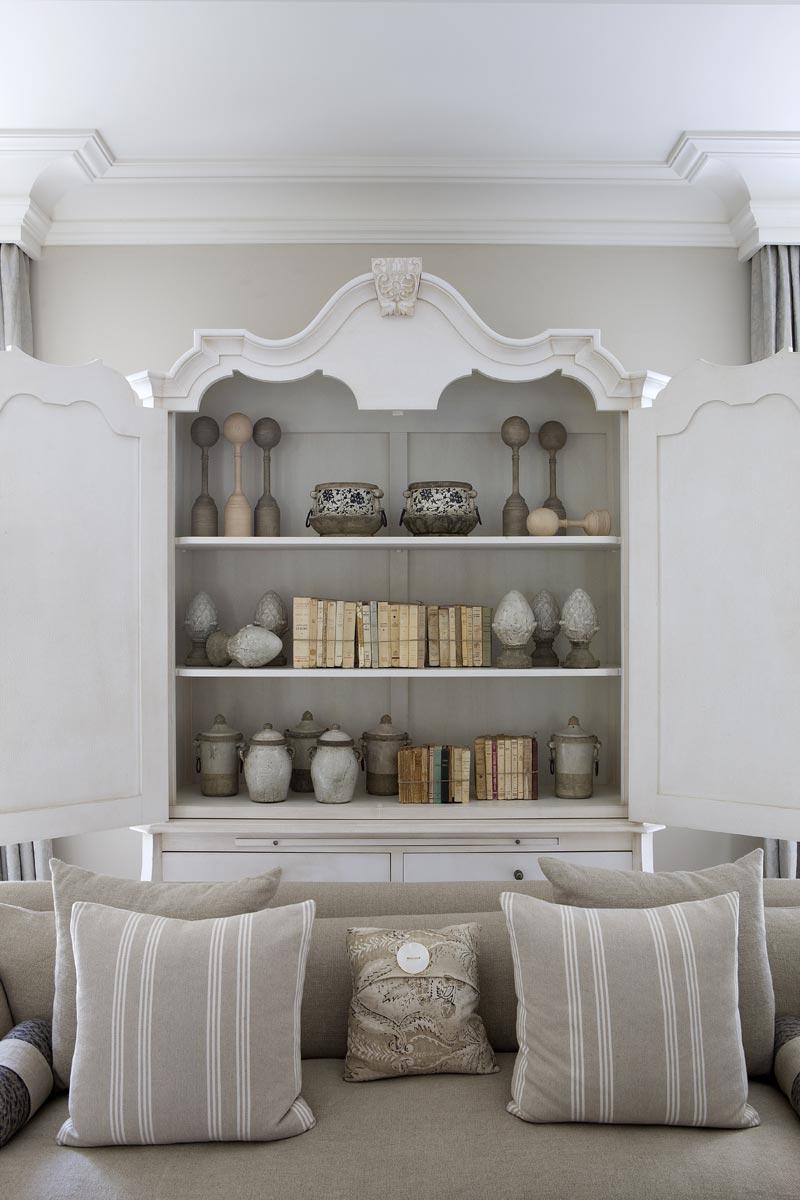 Kelly Hoppen Kelly Hoppen´s Favorite Buffets and Cabinet Design 91bd8c58756c8b33d9fab61b80a2fc78