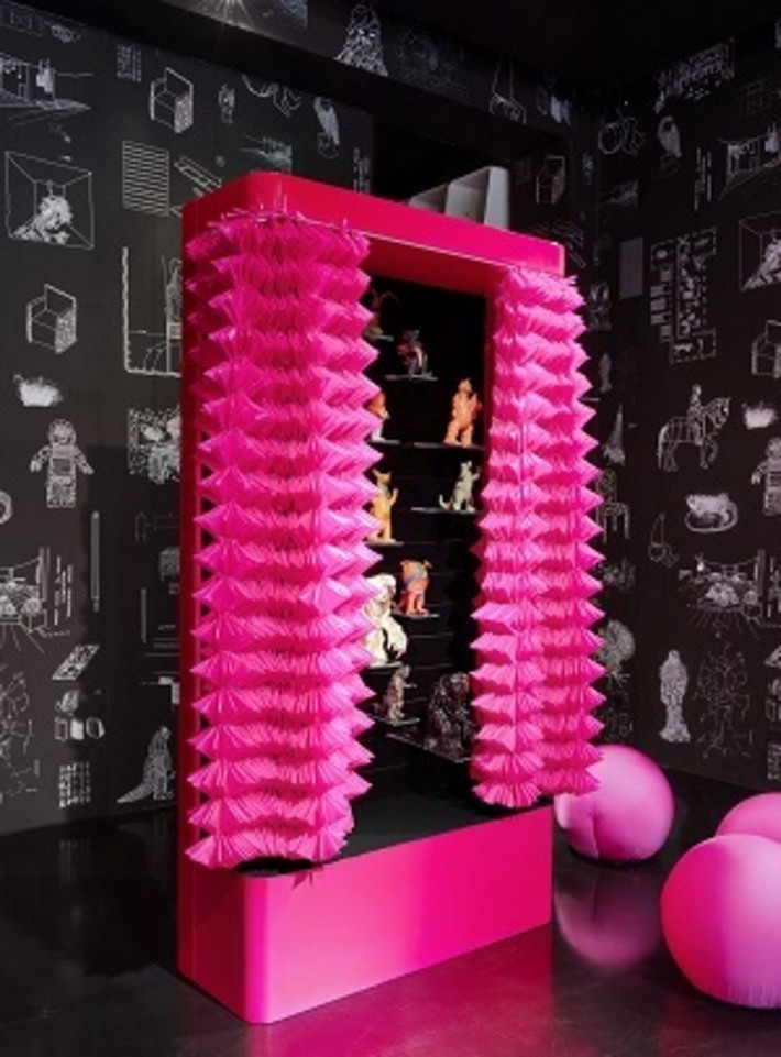 Extravagant Maurizio Galante Cabinet Design