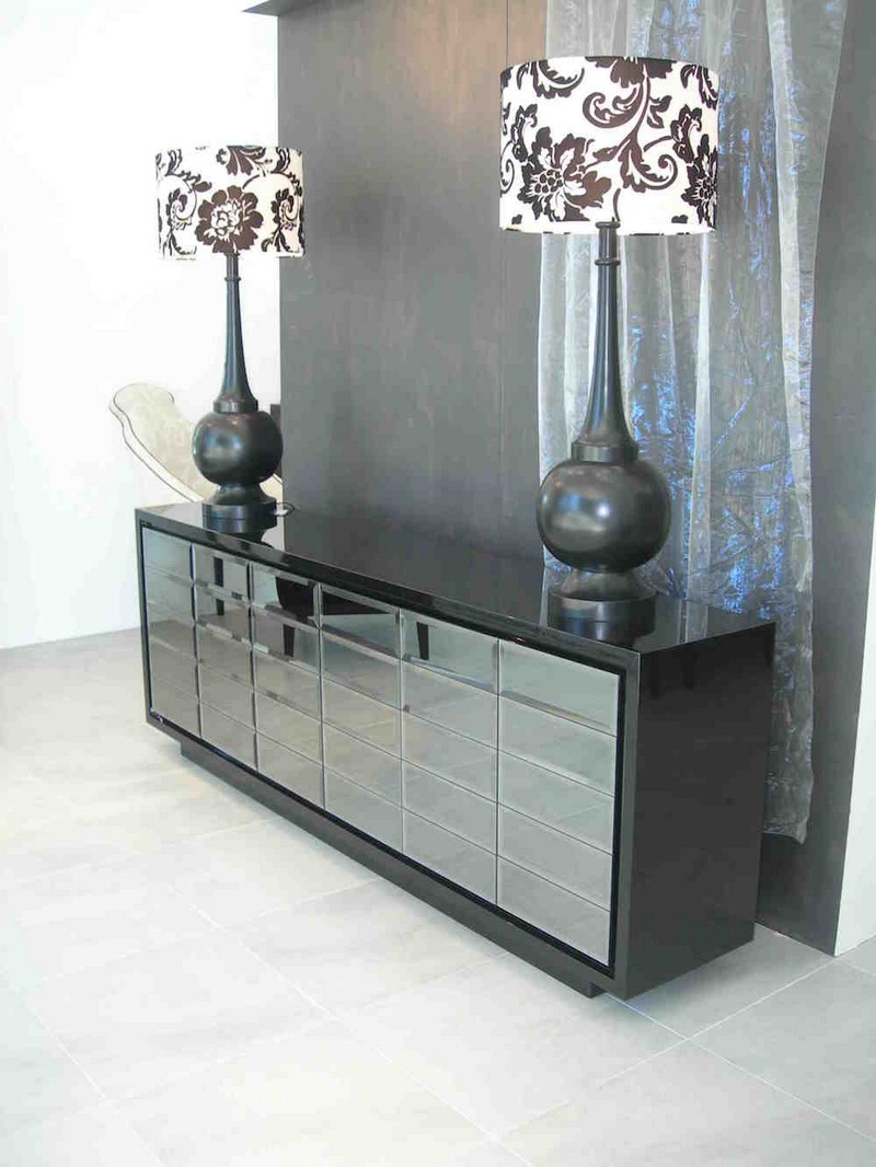 glass sideboards glass sideboards 10 Glass Sideboards You Will Need In Your House 7 metropolitan sideboard boca do lobo