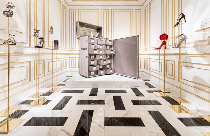 Jimmy Choo jimmy choo Memento Trunk - Jimmy Choo's Amazing Shoe Cabinet Design 1 Memento Trunk Jimmy Choo   s Amazing Shoe Cabinet Design
