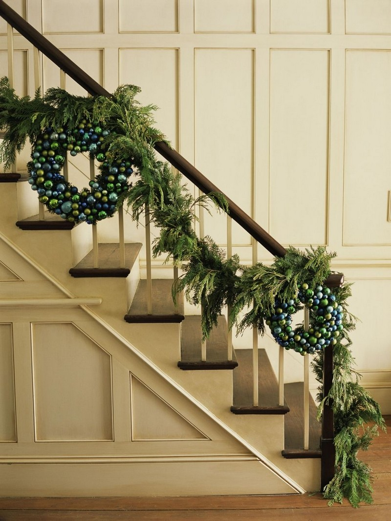 christmas decoration ideas christmas decoration ideas Christmas Decoration Ideas from Top Interior Designers 7 christmas tips garland