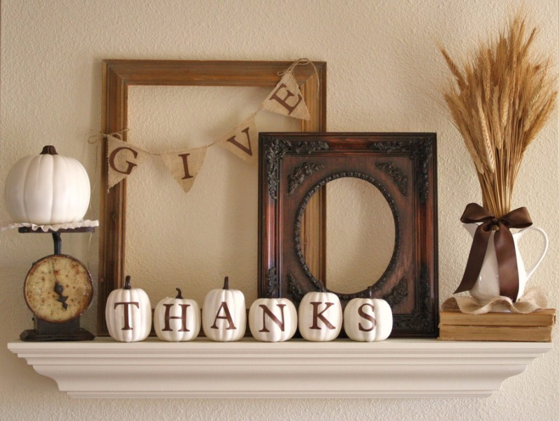 thanksgiving 10 Striking Top Interior Designers Thanksgiving Sideboard Decorations vase