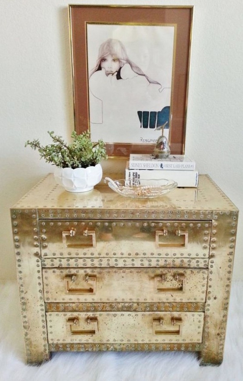 2018 trends 2018 Trends: The Return of Brass with Amazing Sideboards 5 chic and bold brass home decor ideas 11 554x870