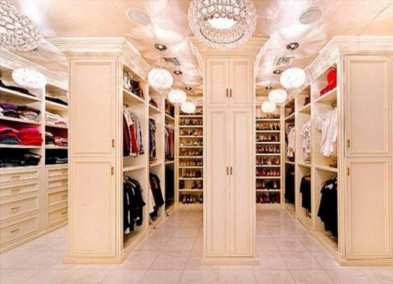 Walk-In Closets Walk-in Closets 10 Inspirational  Walk-in Closets Ideas 9 33 630x454