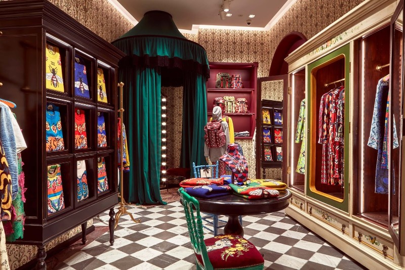 glass cabinets Glass Cabinets By Alessandro Michele For The Gucci Garden Series The Maximalist Menagerie of Alessandro Michele   s Immersive Gucci Garden in Florence 4