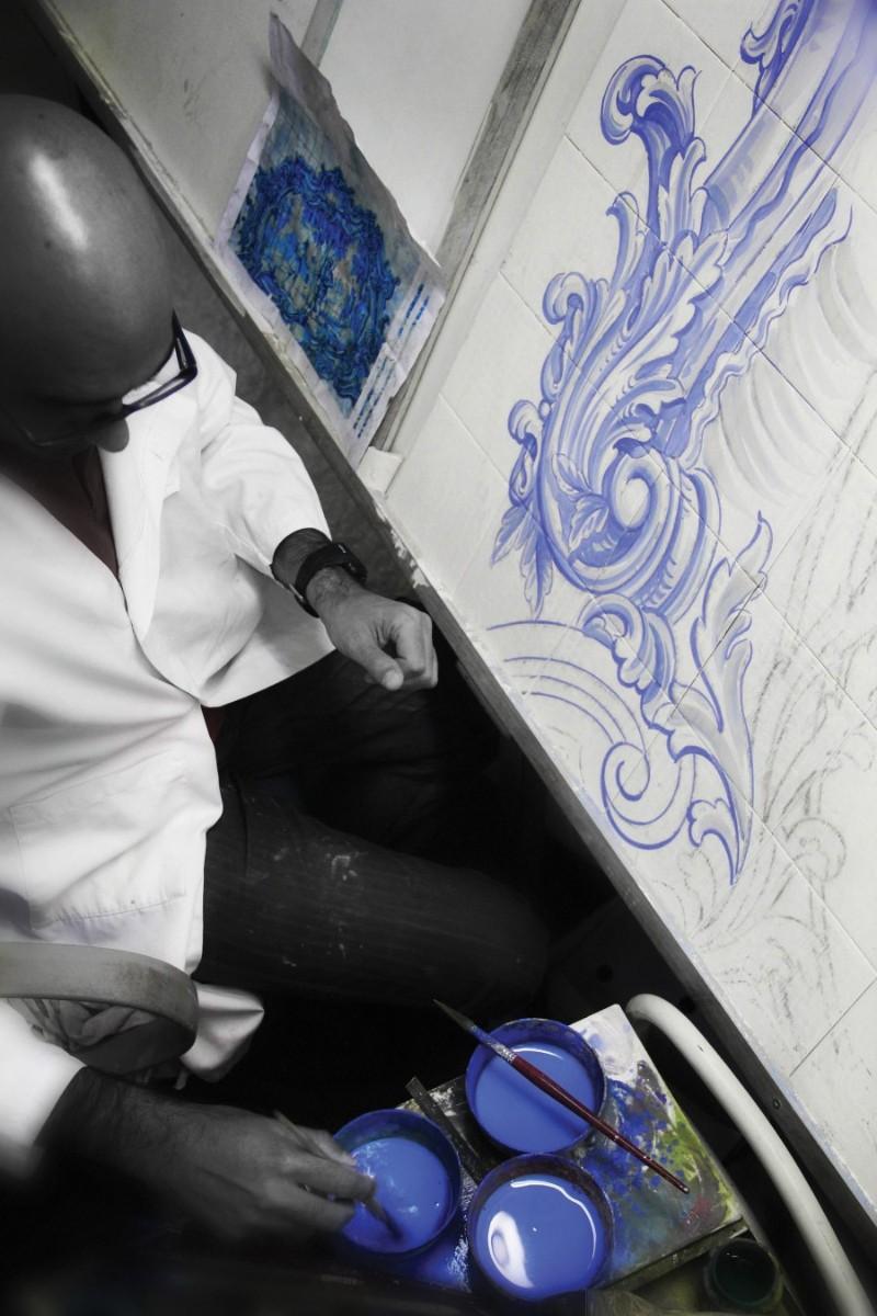 Arts & Crafts Behind Boca do Lobo's Exclusive Furniture: Azulejo