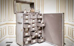 Shoe Cabinet Memento Trunk – Jimmy Choo's Amazing Shoe Cabinet Design 0000 1 240x150