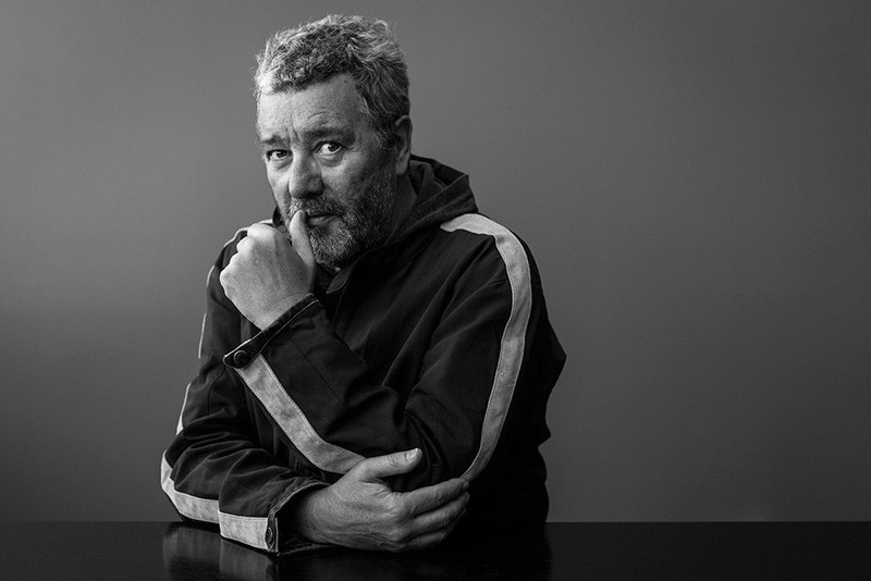 Philippe Starck Philippe Starck and Kartell: A Minimalism Approach 1 5